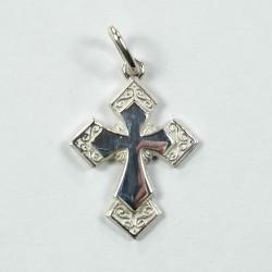 Croix en argent gravée