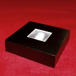 Socle lumineux pour cube en verre gravé. Lumière blanche et couleurs